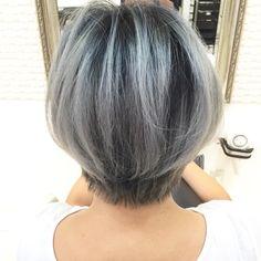 Pin on hair Grey Hair, Blue Hair, Short Hair Cuts, Short Hair Styles, Hair Doo, Cool Short Hairstyles, Hair Arrange, Hair Brained, Silver Hair