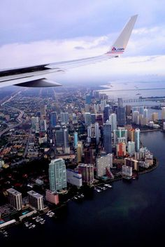 Miami, this view of Miami when you're coming in from the east~~ it's awesome! Miami is beautiful from above! South Beach, Oh The Places You'll Go, Places To Visit, Photos Voyages, Concrete Jungle, Adventure Is Out There, Wonders Of The World, Airplane View, Airplane Window