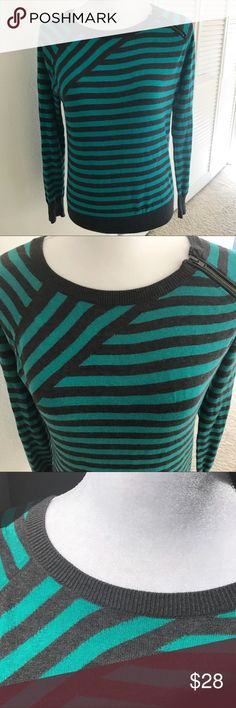 "Halogen | Green & Gray Striped Sweater Soft & cozy sweater by Halogen  •D E T A I L S•  Size: Medium Petite Brand: Halogen Color: Green & Gray Bust: 20"" laid flat Length: 24"" Material: 60% Cotton 20% Nylon 20% Viscose Description: Long sleeve pullover sweater in a lightweight knit has green and gray stripes throughout. Cute zipper detail on one shoulder. Petite fit. In excellent condition! Halogen Sweaters Crew & Scoop Necks"