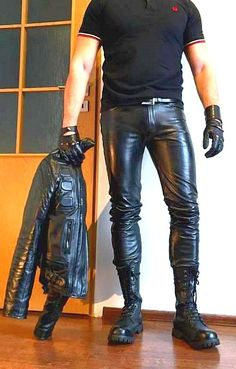 Leather Pants For Men, Skinny Leather Pants, Black Leather Leggings, Leather Jeans, Super Skinny Jeans, Soft Leather, Leather Fashion, Fashion Men, Leather Driving Gloves