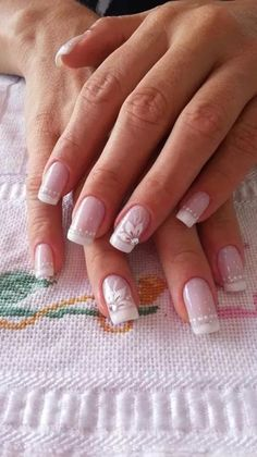 White French nails with flower French Manicure Nail Designs, White Nail Designs, French Tip Nails, Uv Nails, Acrylic Nails, Bride Nails, Wedding Nails Design, Nail Stamping, Perfect Nails