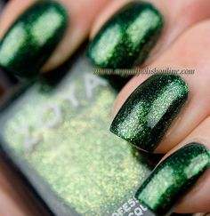 I couldn't resist this year's Zoya Holliday Collection, Ornate. The collection contains three holographic glitters, a gorgeous holographic bar glitter and two very pretty foils! I started by wearing Logan, a green foil with golden microglitter that is absolutely gorgeous. The application was great and so was the opaqueness. The polish covered in two coats and dried shiny. I really don't think you need a top coat for this one but I used one anyway to speed up the drying time which seemed to…