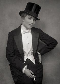 Gina Palerme, photographed by E.O. Hoppé, 1915