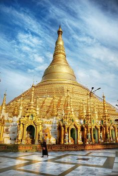Shwedagon Pagoda #Myanmar I've been there but plan to go again. Repinned by www.loisjoyhofmann.com