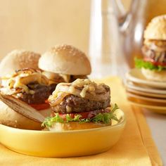 Mini Burgers with Cheesy Onions ~ When you're on the hunt for quick appetizer recipes that both kids and adults will enjoy, get these burgers on the menu. Everyone will love the irresistible combo of melty-good Gouda and sweet golden onions. Easy Appetizer Recipes, Appetizers For Party, Appetizer Ideas, Sandwiches, Easy Party Food, Think Food, Burger Recipes, Finger Foods, Hamburgers