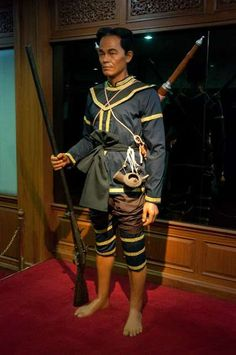 Ayutthaya was razed by the Burmese in 1767 and for a short while Siam found itself occupied. Phraya Tak, an accomplished general who managed to leave the capital before it surrendered subsequently liberated the country and had himself crowned as the first sovereign of the Thonburi Kingdom.