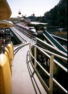 Disneyland Transportation: PeopleMover, Skyway and Monorail, Tomorrowland, 1968 1968 | by avolluz65