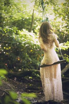 beautiful forest wedding photo ideas and boho bridal dresses