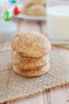 Snickerdoodles are and will always be my favorite holiday cookie. I'm drinking a snickerdoodle iced coffee as we speak because I am that obsessed. Cookies Sans Gluten, Gluten Free Christmas Cookies, Dessert Sans Gluten, Dessert Recipes, Cake Recipes, Gluten Free Deserts, Gluten Free Cookie Recipes, Gluten Free Sweets, Foods With Gluten