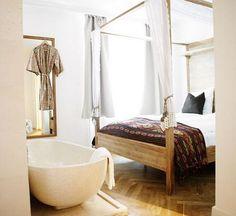 Bañera en el dormitorio