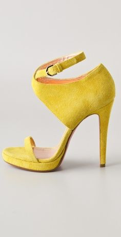 Love! Viktor & Rolf. Such a sunny shade of yellow... <<< The shape!