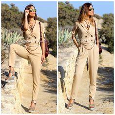 ¡Likeprincessbykuka BLOG nos trae un nuevo #look! Una perfecta combinación entre un #mono de color arena y estas #cuñas de #Exé con estampados étnicos. #exe #exeshoes #shop #shoponline #blogger