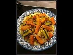 Ellouisa: Marokkaanse couscous I Love Food, Good Food, Yummy Food, Diet Recipes, Healthy Recipes, Arabian Food, Exotic Food, Food Platters, Middle Eastern Recipes