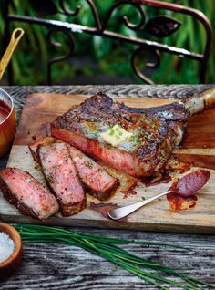 This impressive piece of beef would be right at home on The Flintstones! Taken from the rib area, tomahawk steak is super-thick with a distinctive long bone. Beef Rib Steak, Beef Ribs, Venison, Pork, New Pressure Cooker, Filet Mignon Steak, Warm Potato Salads, Ricardo Recipe, Gourmet