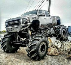 I love diesel brothers and this is my all time favorite truck they have done