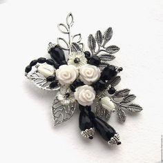 """Броши ручной работы. Заказать """"Белые розы"""" - брошь. Светлана SIG-art (Игнатьева). Ярмарка Мастеров. Черно-белая брошь"""