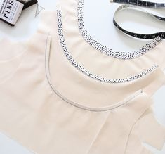 Sewing Tip: 3 Neckline and Armhole Binding Techniques #sewing