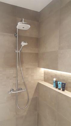 Wet Room Bathroom, Bathroom Cabinets, Master Bathroom, Shower Niche, Wet Rooms, Pool Houses, Bathroom Interior Design, Wall Tiles, Bathtub