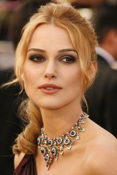 Keira Knightely wearing a gorgeous Bvlgari necklage that could be perfect for a bride #wedding