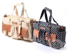 Estas elegantes bolsas transportadoras para perros pequeños. | 26 Adorables productos que todos los dueños de perros necesitan