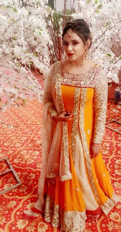Pakistani Wedding and Party Dresses Online Ads Pakistan Pakistani Party Wear Dresses, Pakistani Wedding Outfits, Designer Party Wear Dresses, Indian Gowns Dresses, Indian Bridal Outfits, Party Dresses Online, Indian Fashion Dresses, Kurti Designs Party Wear, Pakistani Dress Design