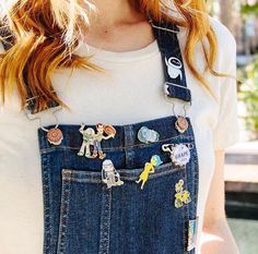 How to style your Disney Pins Cute Disney Outfits, Disney World Outfits, Disneyland Outfits, Disney Clothes, Disneyland Pins, Disney Inspired Outfits, Disney Fashion, Disney Day, Disney Pins