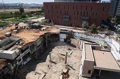Sập tòa nhà ở Tel Aviv, 25 người thương vong