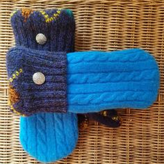 Mittens, Knitted Hats, Upcycle, Pairs, Knitting, Instagram Posts, Fashion, Fingerless Mittens, Knit Hats