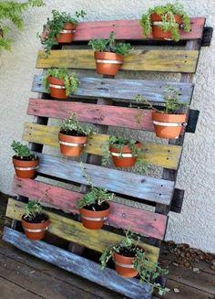 17 Creative DIY Pallet Planter Ideas for Spring - Diy Garden Decor İdeas Pallet Crafts, Diy Pallet Projects, Fun Projects, Project Ideas, Pallet Garden Ideas Diy, Garden Ideas Using Pallets, Wood Crafts, Spring Projects, Plantador Vertical