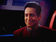 Bildergebnis für Voyager Kes and Captain Janeway Star Trek Gif, Star Trek Images, Star Wars, Star Trek Voyager, Star Trek Tribbles, Robert Beltran, Captain Janeway, Most Handsome Actors, Star Trek Captains