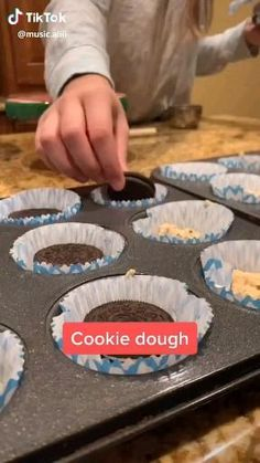 Fun Desserts, Delicious Desserts, Dessert Recipes, Yummy Food, Easy Baking Recipes, Cooking Recipes, Tasty Videos, Food Cravings, Diy Food