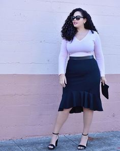 So excited to share my first holiday party look of the season! Everything I'm wearing is from Banana Republic, and this exact look could be… Fast Fashion, Curvy Fashion, Fashion Beauty, Fashion Outfits, Style Fashion, Fashion Trends, Dresser, Fashion To Figure, Girl With Curves