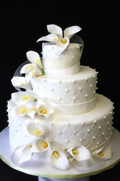wedding cake lilies   Wedding Cake with Calla Lilies by CakeSuite, serving Connecticut and ...