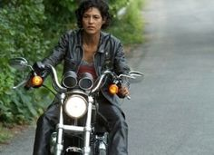 Woman In Black Leather Riding Motorcyle Girl Riding Motorcycle, Biker Dating, Hells Angels, Women Figure, Lady Biker, Looking For Women, Funny Pictures, Thesis