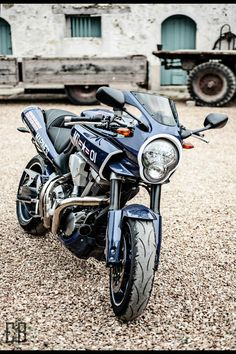 #yamaha #mt01 #yamahamt01 #motorsandsoul #japanbike #japanmotorcycle #japanmotorbike #japanmoto #moto #motos #motors #motorbikes #motorcycle #motorcycles #motorcycleporn #bike #details #details #usmarines #nikon #nikonfr #nikond700 #d700 #photo #photos #photobike #photomoto #photomoto_graphy #photography #photographie #christophebatutphotos©