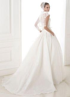 NEW! Alluring Organza Satin A-line Strapless Neckline Natural Waistline Wedding Dress