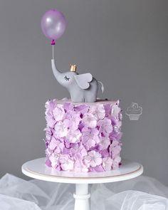 Elephant Birthday Cakes, Baby Elephant Cake, Cute Birthday Cakes, Pretty Cakes, Cute Cakes, Beautiful Cakes, Extreme Cakes, Bolo Cake, Gateaux Cake