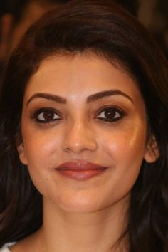 Beautiful Girl Indian, Beautiful Indian Actress, Beautiful Women, South Actress, South Indian Actress, Kajal Agarwal Saree, Red Saree, Close Up Photos, India Beauty