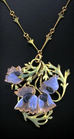 Lalique 1900 Poppies Pendant: enameled gold/ molded glass | Jewelry Heirlooms from René Jules Lalique