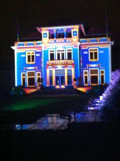 Gevelverlichting in warm pastel, huize Dommelhoef #Gloweindhoven 2013
