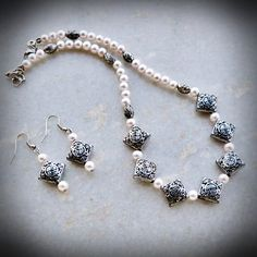 Antique silver faux pearls beads necklace-earring set