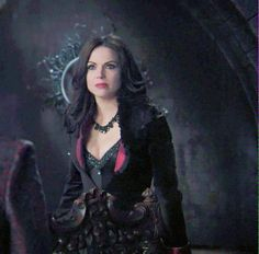 Her hair and clothes were so on point in this flashback.