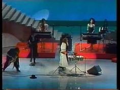 """Sheila E """"The Glamorous Life"""" LIVE! at at The Amerian Music Awards (1985 performance, originally released in 1984)"""