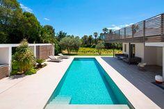 Vincent Coste Architecte Designs a Stunning Villa in Saint-Tropez