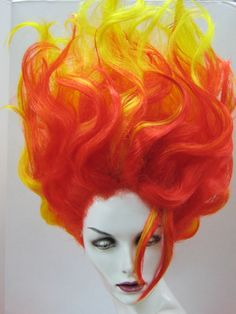 I really need to learn to work with wigs. Fire Costume, Costume Wigs, Costume Makeup, Cosplay Costumes, Halloween Costumes, Halloween Stuff, Fire Makeup, Makeup Art, Phoenix Costume