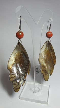 Earrings with red jasper and giant mother of pearl leaf. Rhodium plated steel support. Nickel free