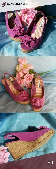 "American Eagle Shoes Platform. Cork-like Platform Wedge in Fuchsia. Open toe. Size 10. ""Ragged edged"" Fabric flower on the top.  Canvas type fabric upper. 3-1/2"" heel. Great for work, shopping or dining out.  Excellent condition. Worn once inside the house.  Actual color is best in pictures 1 and 3 thru 8.  BUNDLE BUNDLE BUNDLE AND SAVE. American Eagle by Payless Shoes Platforms"