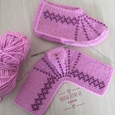 # handmade # crochet # kniting # to make booties; Ayşegül örgüle mesh pleasure You … Crochet Woman, Crochet Baby, Free Crochet, Crochet Bikini, Knitted Slippers, Knitted Hats, Knitting Socks, Baby Knitting, Knitting Patterns Free