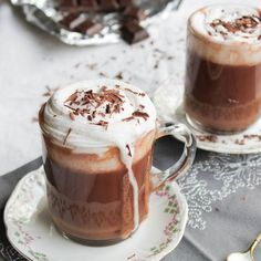 Chocolat Liégeois, chantilly coco {vegan} – aime & mange Source by aimemange Related posts:addison rae( Official Café Chocolate, Chocolate Milkshake, Hot Chocolate Recipes, Delicious Desserts, Yummy Food, Chocolate Caliente, Milk Shakes, Milkshake Recipes, Think Food