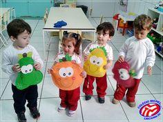 Kindergarten Crafts, Preschool Learning Activities, Preschool Themes, Autumn Activities, Fruits For Kids, Fall Fruits, Vegetable Crafts, Fruit Costumes, Fruit Crafts